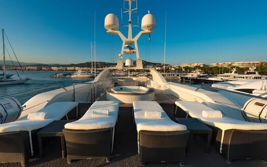 Motor Yacht TOMMY Sun Deck Loungers
