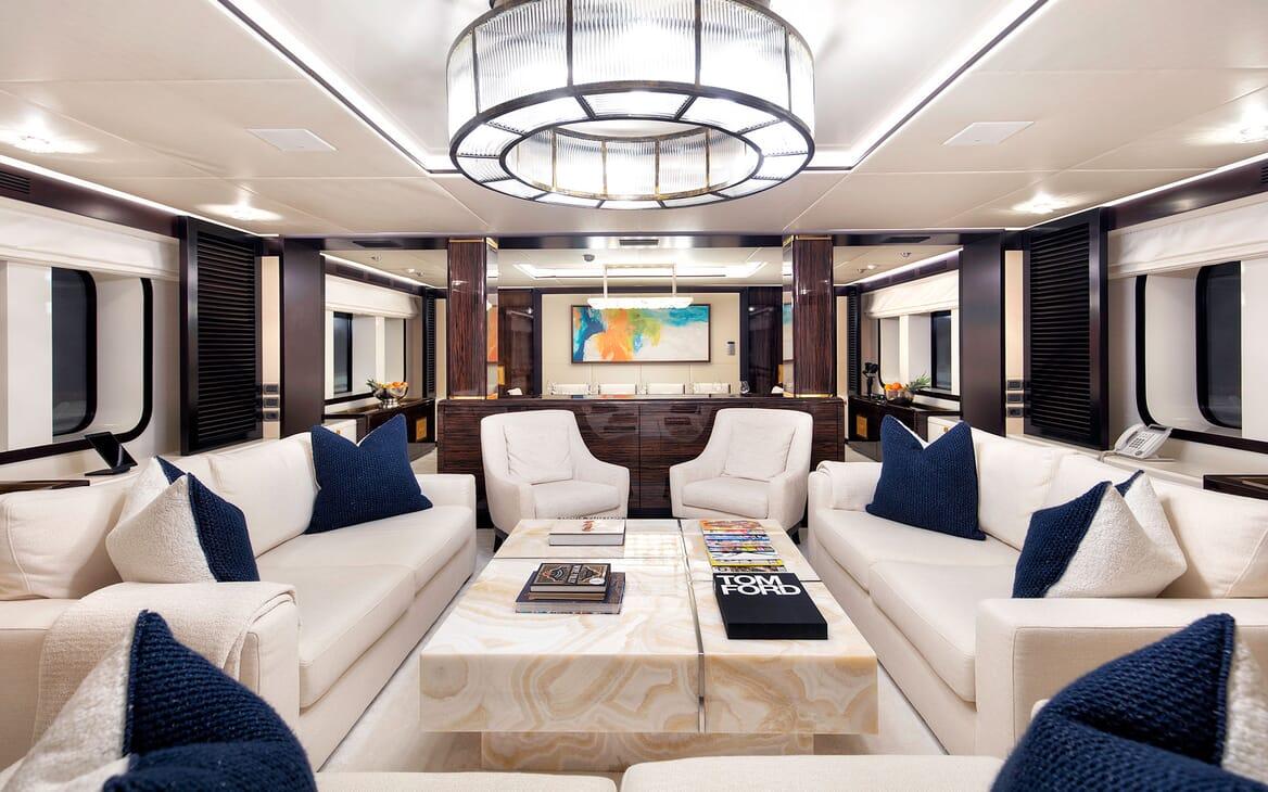 Motor Yacht MYSTIC Main Deck Saloon