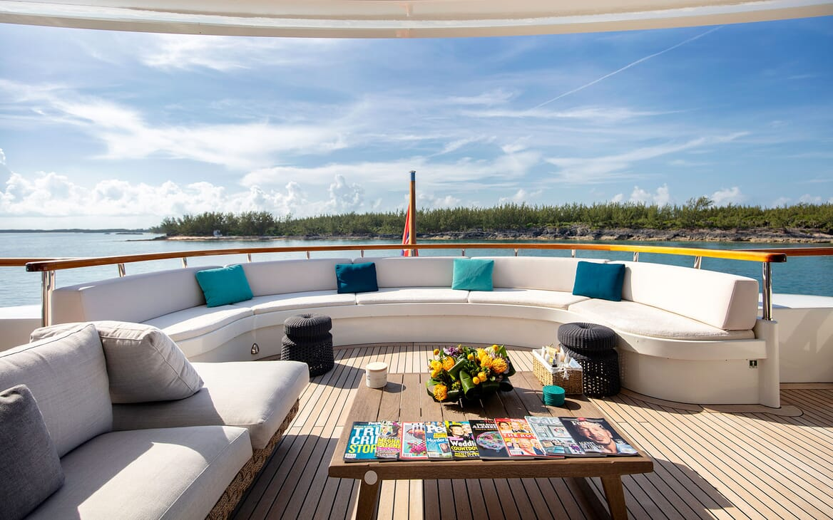 Motor Yacht MYSTIC Main Aft Deck Seating