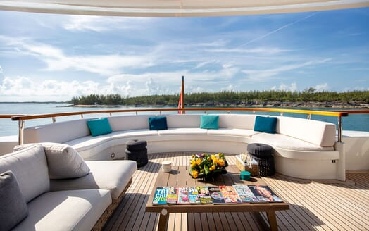 Motor Yacht MYSTIC Main Aft Deck Seating