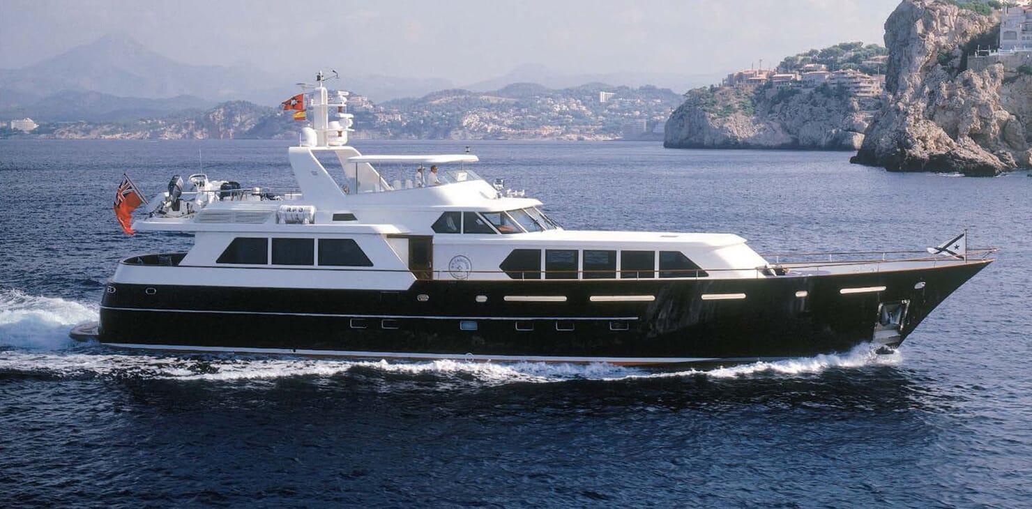 Motor Yacht Cassiopeia running shot
