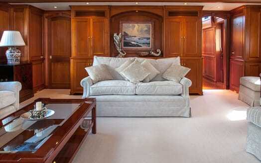 Motor Yacht Cassiopeia seating area