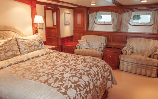 Motor Yacht Cassiopeia master cabin