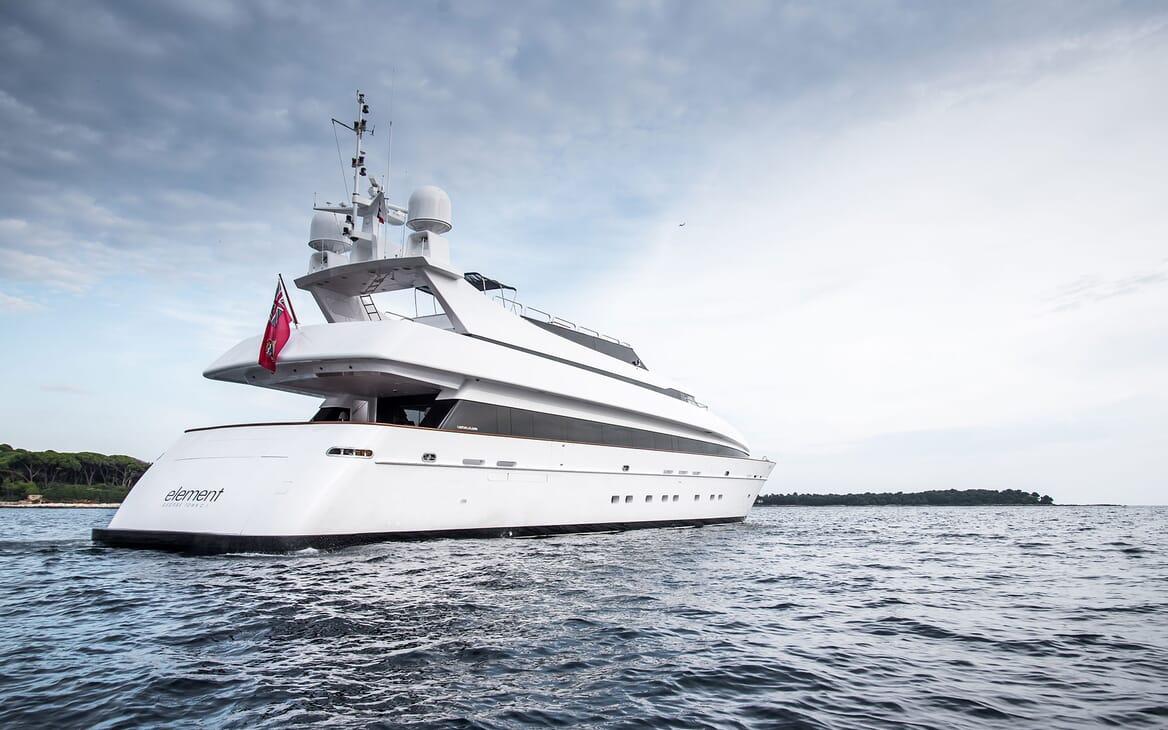 Motor Yacht ELEMENT Exterior