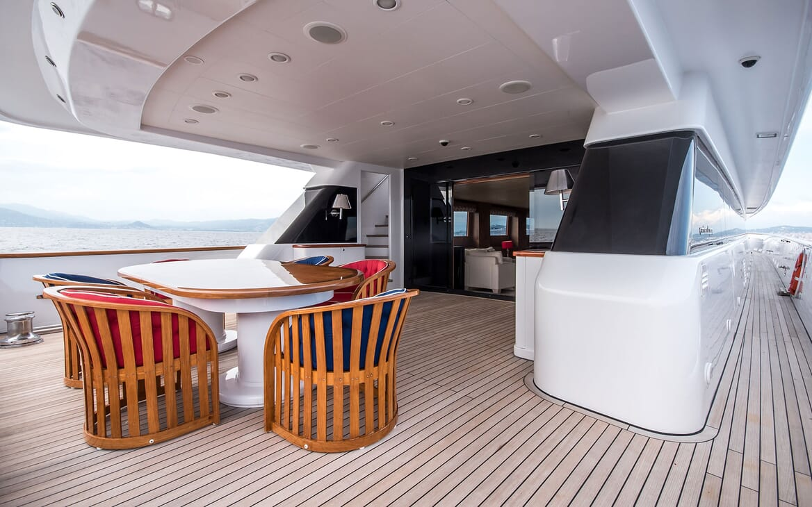 Motor Yacht ELEMENT Aft Deck Dining Table