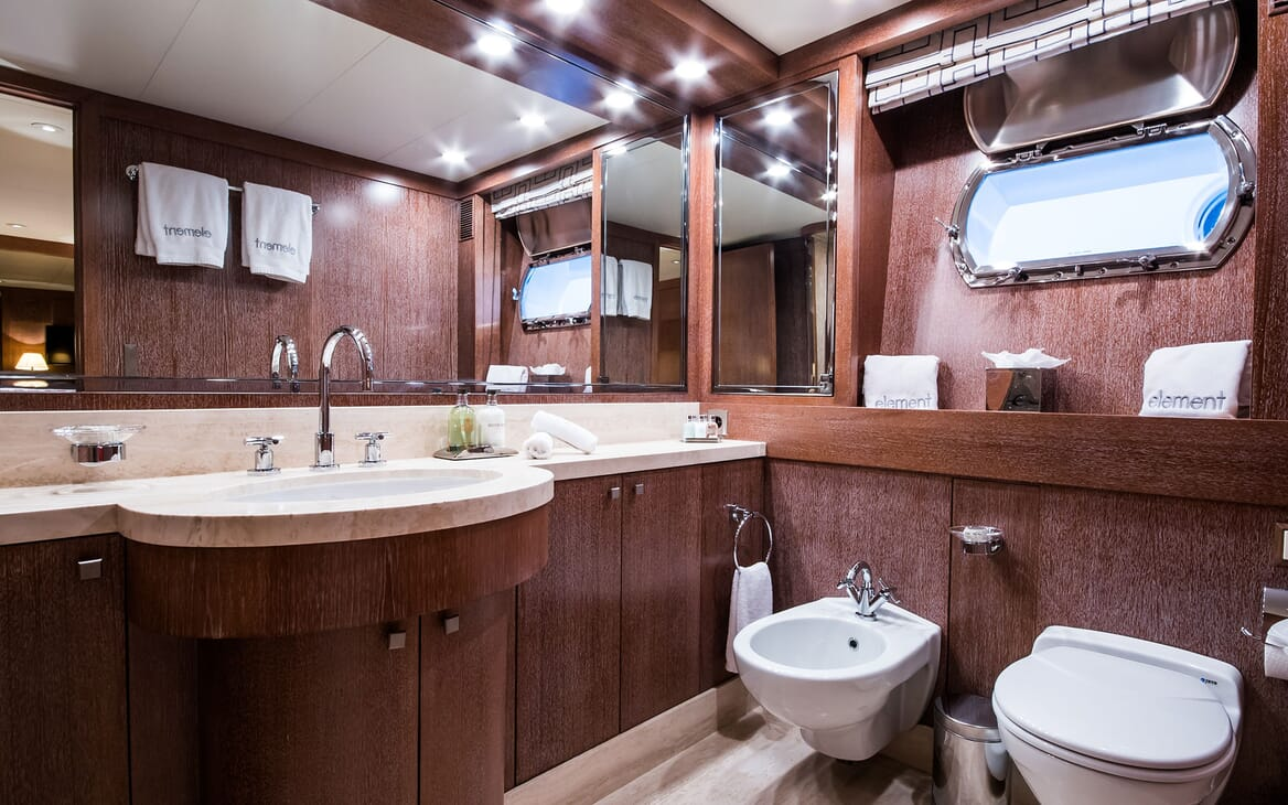 Motor Yacht ELEMENT Bathroom