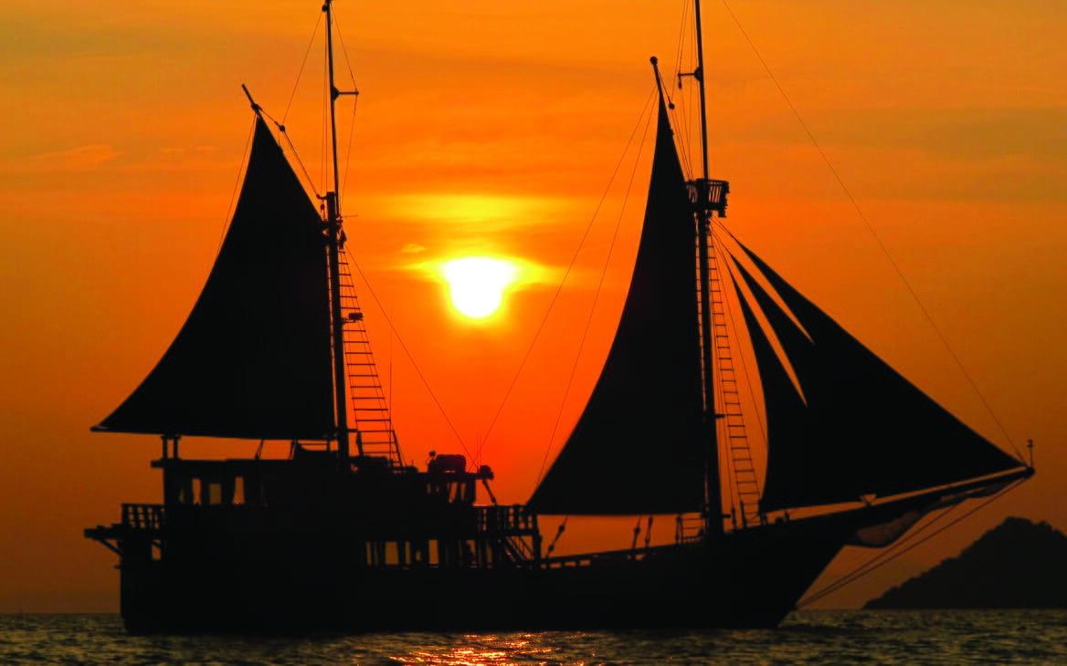 Sailing Yacht El Aleph sailing