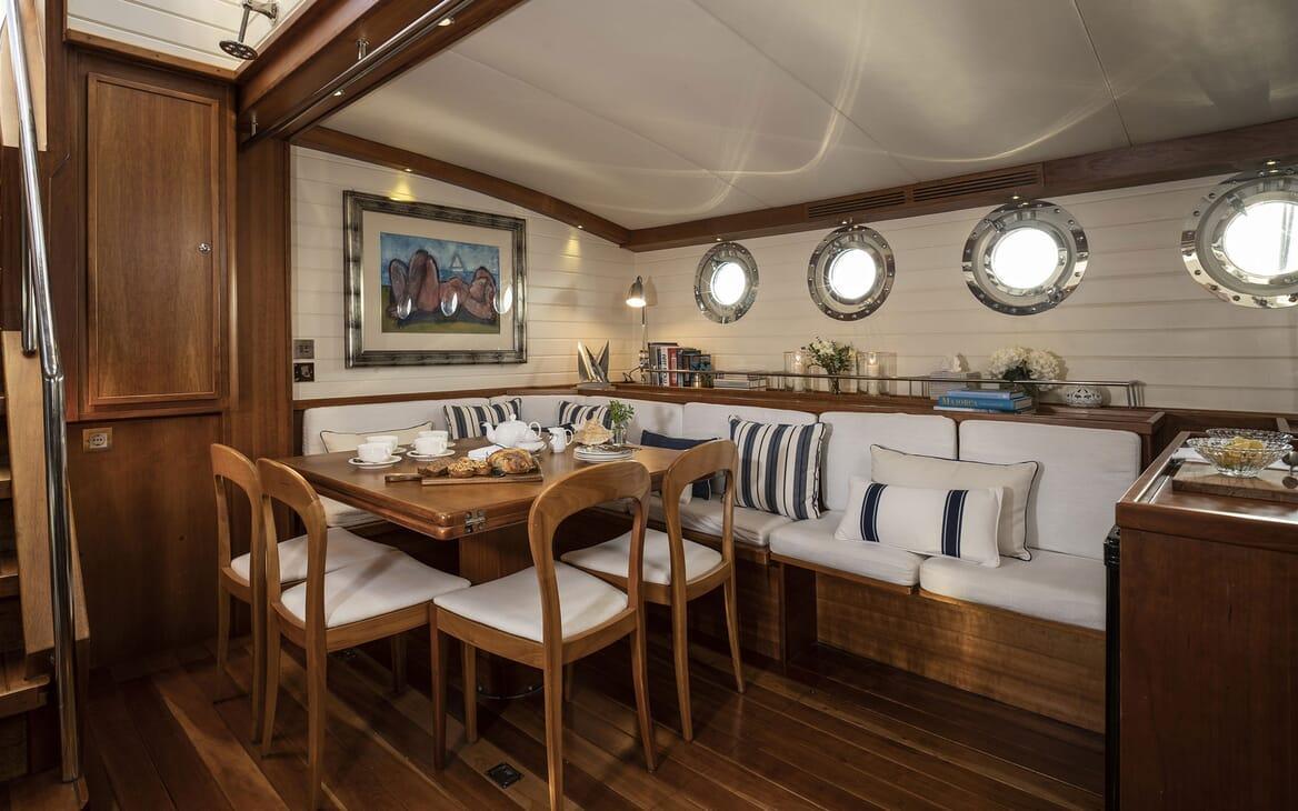 Sailing Yacht ALEXA OF LONDON Main Salon Breakfast