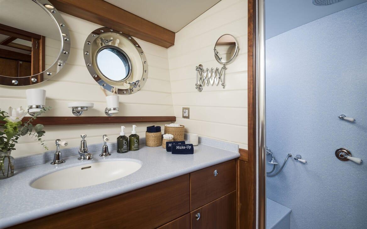 Sailing Yacht ALEXA OF LONDON Bathroom Sink