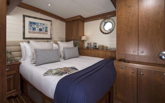 Sailing Yacht Alexa of London dining area