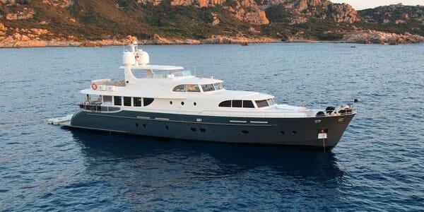 Motor Yacht Perla Nero