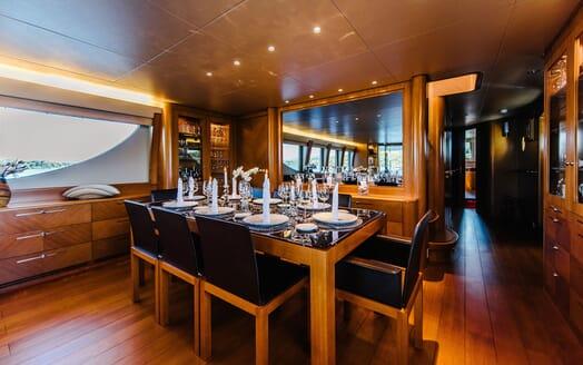 Motor Yacht Perla Nero dining area