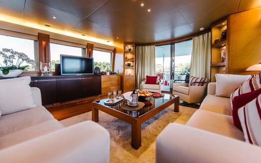 Motor Yacht Perla Nero living area