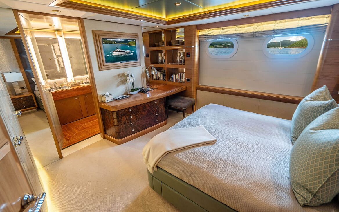 Motor Yacht VIBRANCE Guest Double Stateroom 2