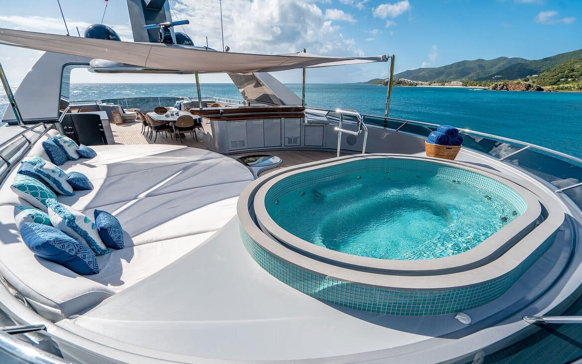 Motor Yacht VIBRANCE Sun Deck Jacuzzi 2