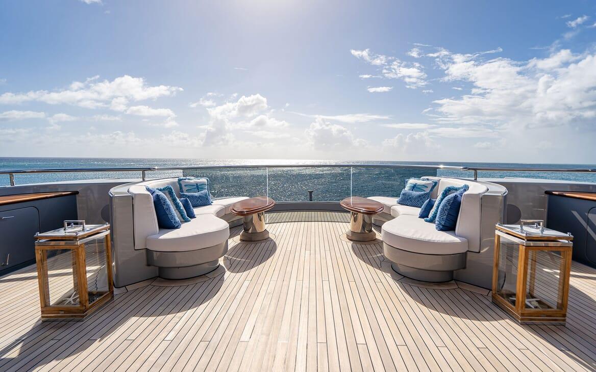 Motor Yacht VIBRANCE Sun Deck 2