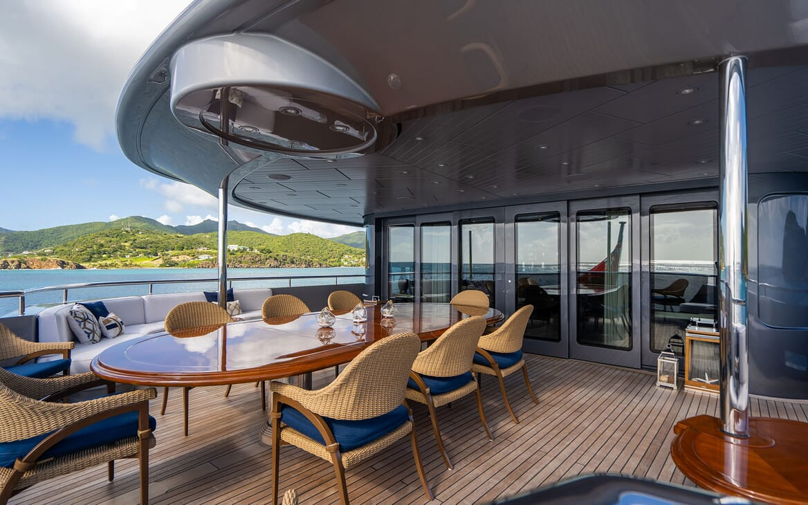 Motor Yacht VIBRANCE Upper Aft Deck Dining Table 2