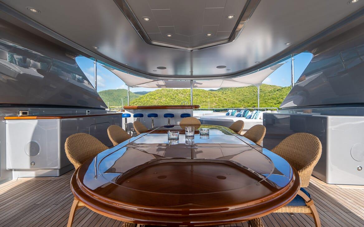 Motor Yacht VIBRANCE Sun Deck Dining Table 1