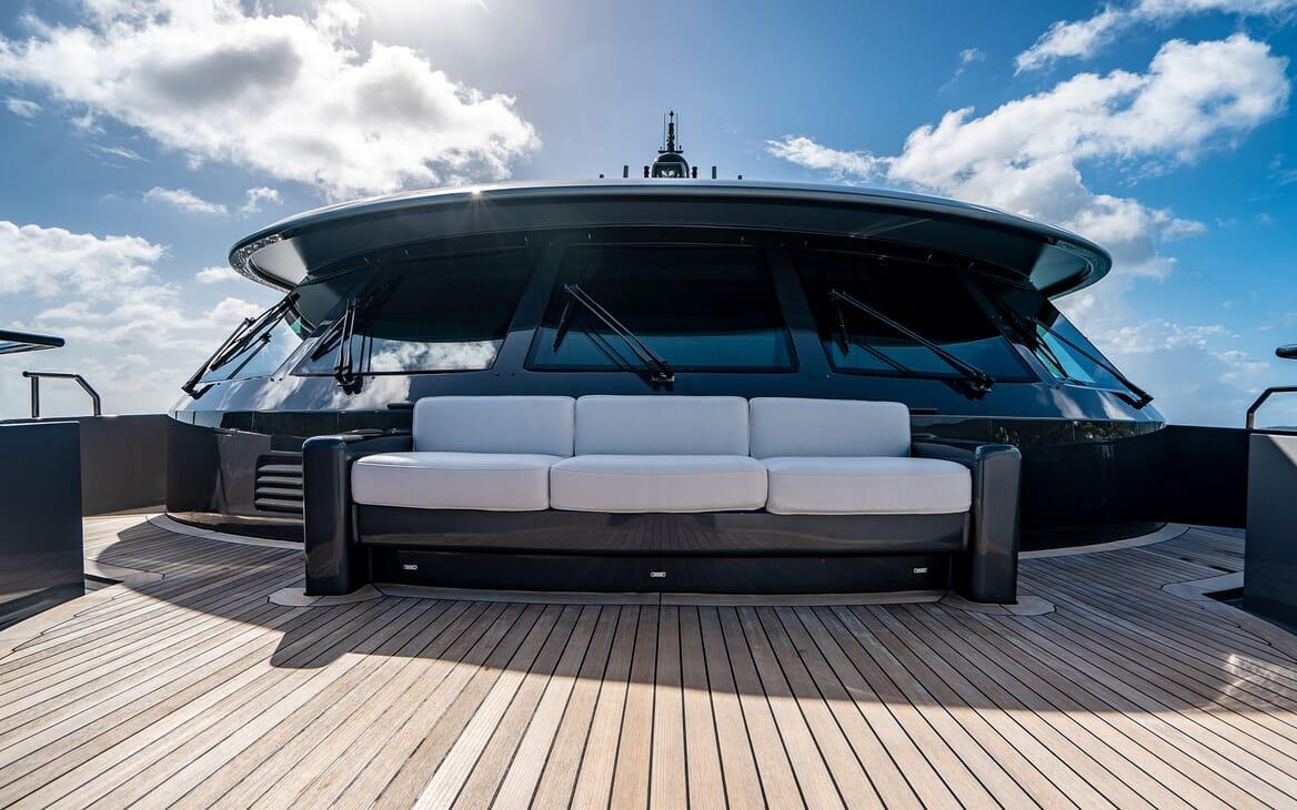 Motor Yacht VIBRANCE Forward Deck 1