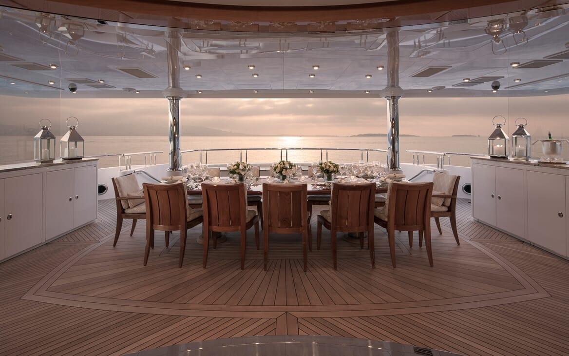 Motor Yacht Lady Sara outdoor dining area