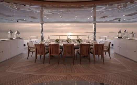 Motor Yacht Lady Sara outdoor dining area