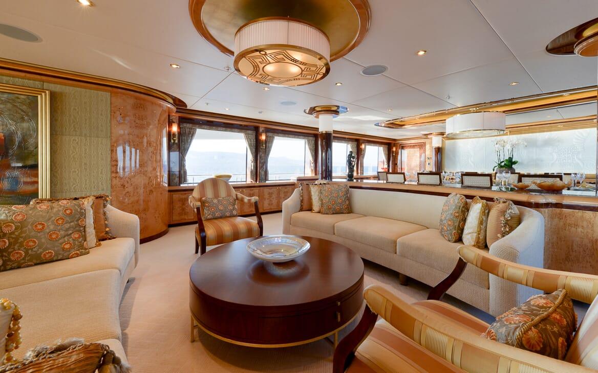 Motor Yacht Lady Sara salon