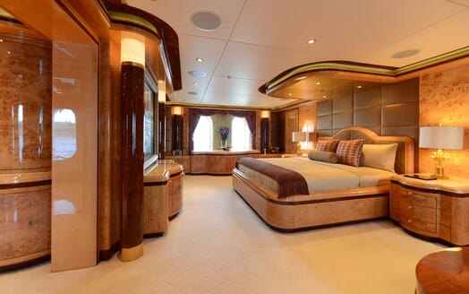Motor Yacht Lady Sara master cabin