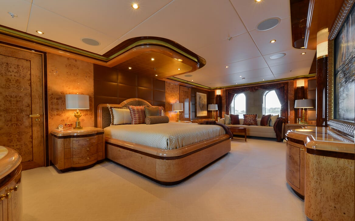 Motor Yacht Lady Sara master stateroom