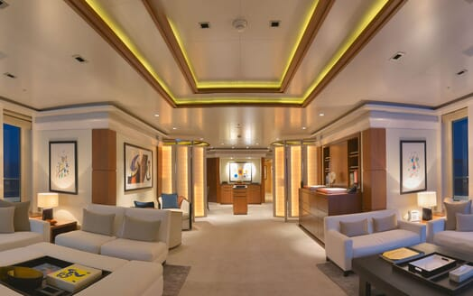 Motor Yacht TRIPLE 7 Main Saloon