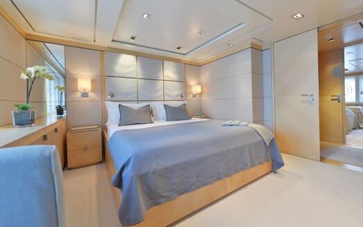 Motor Yacht TRIPLE 7 VIP Stateroom