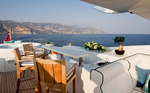 Motor Yacht Perle Noire outdoor seating