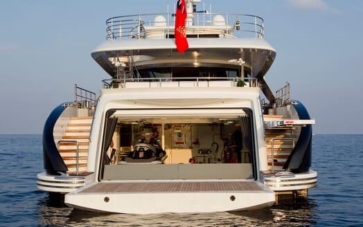 Motor Yacht Perle Noire aft shot