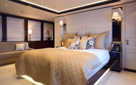Motor Yacht Perle Noire master cabin