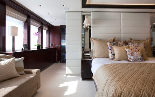 Motor Yacht Perle Noire master stateroom