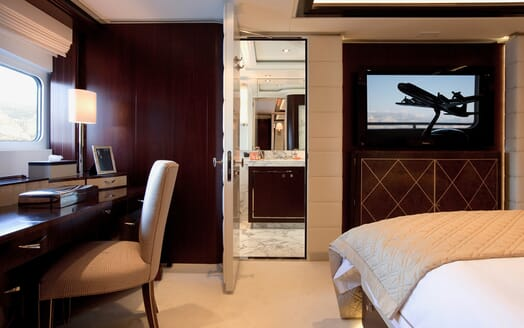 Motor Yacht Perle Noire stateroom