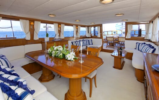 Sailing Yacht Hermina saloon