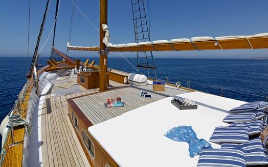 Sailing Yacht Hermina foredeck