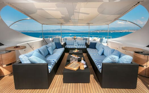 Motor Yacht BLUE MAGIC Sun Deck Seating