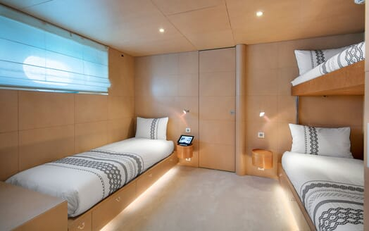 Motor Yacht BLUE MAGIC Guest Twin Stateroom