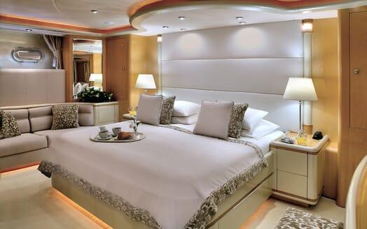 Motor Yacht Harmony I master cabin
