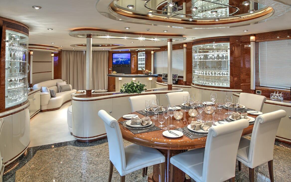 Motor Yacht Harmony I living area