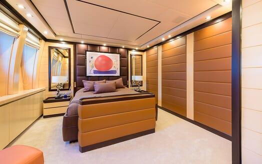 Motor Yacht Lisa IV VIP cabin