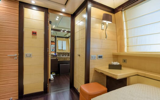 Motor Yacht Lisa IV interior design