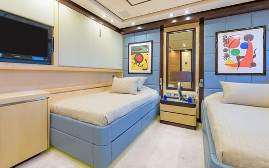 Motor Yacht Lisa IVtwin stateroom