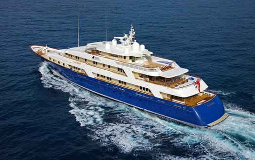 Motor Yacht Laurel running shot