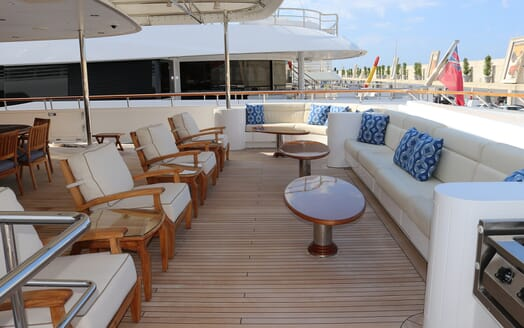 Motor Yacht Laurel outdoor seating