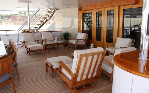 Motor Yacht Laurel deck
