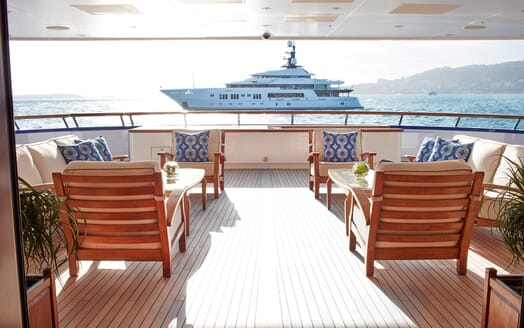 Motor Yacht Laurel main deck
