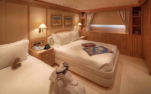 Motor Yacht Laurel cabin