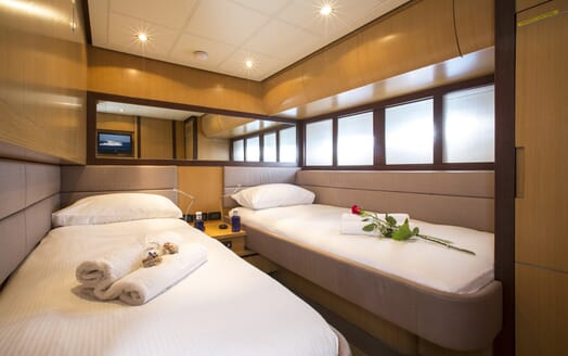 Motor Yacht Tiger Lily twin cabin